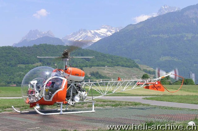 heli swiss with Bell 47g3b 1 on As 332 Super Puma C1 additionally Superpumarecoaro furthermore 2065 further  moreover 43.