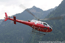 Gsteigwiler/BE, July 2015 – The AS 350B3e Ecureuil HB-ZNQ in service with Swiss Helicopter (M. Ceresa)