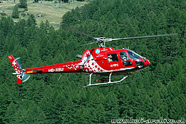 Zermatt/VS, July 2006 - The AS 350B2 Ecureuil HB-XSU in service with Air Zermatt (K. Albisser)
