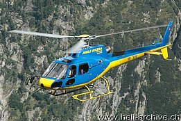 Val Cama/GR, August 2011 - The AS 350B2 Ecureuil HB-XVM in service with Heli Rezia (M. Bazzani)
