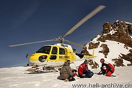 March 2010 - Heliski with the AS 350B3 Ecureuil HB-ZNA in service with Air Glaciers (photo B. Siegfried)