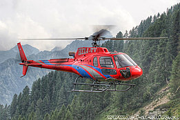Pianascio/TI, July 2014 - The AS 350B3e Ecureuil HB-ZTV in service with Heli-TV (M. Ceresa)