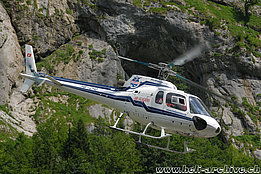 Lauterbrunnen/BE, June 2008 - The AS 350B Ecureuil HB-ZHO in service with Heli Partner AG (N. Däpp)