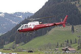 Zweisimmen/BE, May 2014 - The AS 350B3e Ecureuil HB-ZHN in service with Swiss Helicopters (O. Colombi)