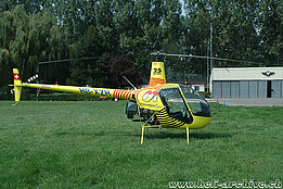 Yverdon/GE, September 2005 - The Robinson R-22 Beta HB-XZH in service with Mountain Flyers 80 Ltd (K. Albisser)