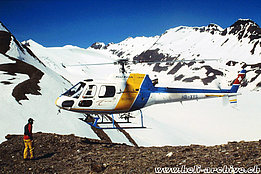 Bedretto Valley/TI, June 2000 - The AS 350B2 Ecureuil HB-XYS in service with Heli Rezia (M. Bazzani)