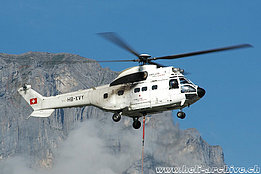 Engelberg/OW, August 2007 - The AS 332C1 Super Puma HB-XVY in service with Helog-Heliswiss AG (K. Albisser)