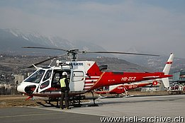 Sion/VS, February 2010 - The AS 350B3 Ecureuil HB-ZCZ of Air Glaciers is ready for another mission (M. Bazzani)