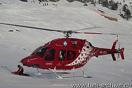 Zermatt-Findeln/VS, January 2013 - The Bell 429 HB-ZSU in service with Air Zermatt during a rescue mission (photo H. Zurniwen)