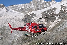 Zermatt/VS, March 2013 - The AS 350B3e HB-ZVS in service with Air Zermatt (H. Zurniwen)