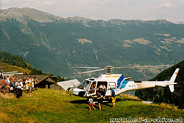 Mounts of Chironico/TI, August 2003 – The AS 350B3 Ecureuil HB-ZCS in service with Heli-Rezia (M. Bazzani)