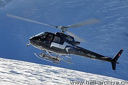 Zermatt-Testa Grigia/VS, February 2013 - The AS 350B3 Ecureuil HB-ZES in service with Eagle Helicopter AG (H. Zurniwen)