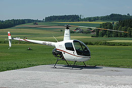 Beromünster/LU, May 2009 - The Robinson R-22 Mariner II HB-ZIC in service with Airport Helicopter (K. Albisser)