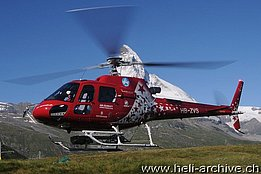 Zermatt/VS, July 2013 - The AS 350B3e Ecureuil HB-ZVS in service with Air Zermatt (P. Zurniwen)