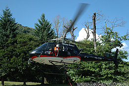 Sementina, San Defendente/TI, July 2009 - The AS 350B3 Ecureuil HB-ZIW in service with Tarmac Aviation (M. Bazzani)