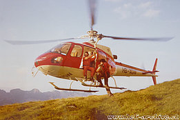 Swiss Alps, 1980s - The AS 350B Ecureuil HB-XGW in service with Linth Helikopter (family Kolesnik)