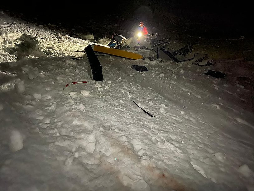 The wrack of the Robinson R-44 Raven II I-OLLI was found after more than 7 hours from the accident (Air Zermatt)