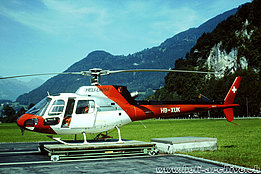 Mollis/GL, August 1998 - The AS 350B2 Ecureuil HB-XUK in service with Heli-Linth AG (M. Bazzani)