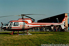 Locarno airport/TI, September 1993 - The AS 350B2 HB-XXV Ecureuil in service with Bohag (M. Bazzani)