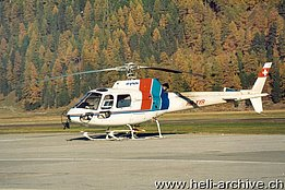 Samedan/GR, December 1999 – The AS 350B2 Ecureuil HB-XYR in service with Air Grischa (M. Bazzani)
