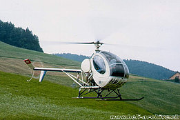 Schindellegi/SZ, 1976 - The Hughes 269C HB-XFT in service with Fuchs Helikopter (Fuchs)