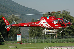 Raron/VS, July 2004 - The AS 350B2 Ecureuil HB-XSU in service with Air Zermatt (K. Albisser)