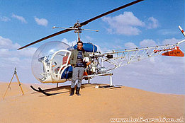 Tunisia 1967 - Markus Burkhard is the pilot of the the Heliswiss' Bell 47G2 HB-XAW (archive M. Burkhard)