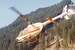 1974 - The Bell 206A/B Jet Ranger II HB-XCT in service with Heliswiss (E. Devaud)