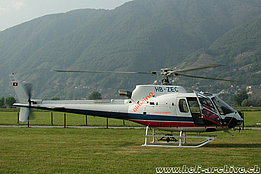 Locarno airport/TI, May 2002 - The AS 350B3 Ecureuil HB-ZEC in service with Eliticino (M. Bazzani)