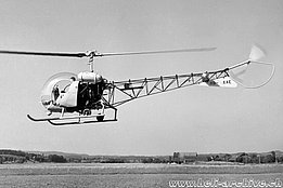 Belp/BE, July 1954 - The military test-pilot Hansueli Weber is charged to test the Bell 47G HB-XAE in service with Heliswiss (photo SMD)
