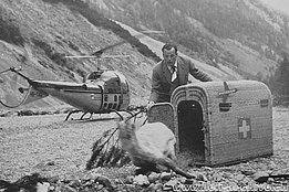 Austria 1958 - Hermann Geiger release a chamois trasported with the Bell 47J Ranger HB-XAU (HAB)