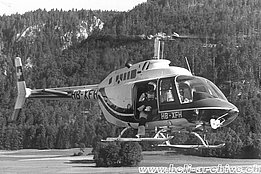 Gruyères aerodrome/FR, '70s - The Bell 206B Jet Ranger II HB-XFH in service with Heliswiss (E. Devaud)