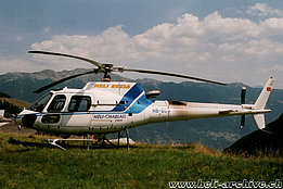Chironico/TI, August 2003 - The AS 350B3 Ecureuil HB-ZCS in service with Heli-Rezia (M. Bazzani)