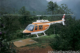 1970s - The Agusta-Bell 206B Jet Ranger II HB-XDY in service with Helimission (P. Aegerter)
