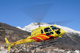 Samedan/GR, December 2014 - The AS 350B3e Ecureuil HB-ZMY in service with Heli-Bernina (H. Zurniwen)