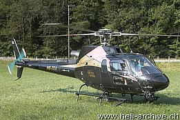 Maggia/TI, June 2006 - The AS 350B3 Ecureuil HB-ZEA in service with Tarmac Aviation (O. Colombi)