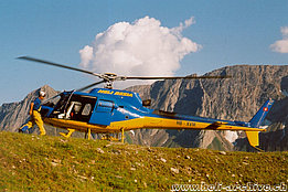 Bedretto valley/TI, September 2008 – The AS 350B2 Ecureuil HB-XVM in service with Heli Rezia (M. Bazzani)
