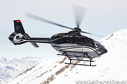 Unter Rothorn/VS, December 2018 - The EC 135P3 HB-ZWI in service with Calanda Wings AG (H. Zurniwen)