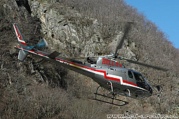Sementina valley/TI, April 2010 - The AS 350B3 Ecureuil HB-ZJO in service with Heli-TV (M. Bazzani)
