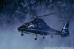 Samedan/GR, 1997 - The AS 365N2 Dauphin in service with Heli-Link (T. Heumann)