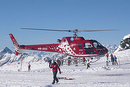 Plateau Rosa (3'480 m/sm)/VS, January 2012 - The AS 350B2 Ecureuil HB-ZCC in service with Air Zermatt (M. Bazzani)