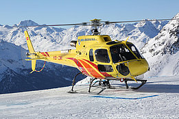 St. Moritz/GR, February 2017 - The AS 350B3e Ecureuil HB-ZMI in service with Heli-Bernina (O. Colombi)