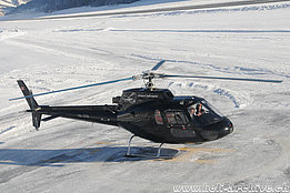 Samedan/GR, January 2010 - The AS 350B Ecureuil HB-ZFA in service with Airport Helicopter (H. Zurniwen)
