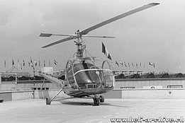 April 1950 - Heliport of the Milan trade fair - The Hiller 360 HB-XAI in service with Air Import (HAB)