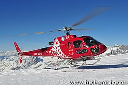 Testa Grigia/VS, March 2014 - The AS 350B3e Ecureuil HB-ZPB in service with Air Zermatt (H. Zurniwen)