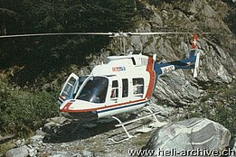 Valle Maggia/TI, Summer 1992 - The Bell 206L-3 Long Ranger HB-XSC in service with Eliticino (O. Colombi)