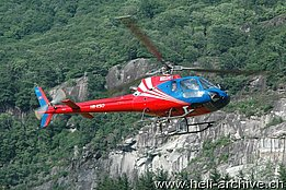 Lodrino/TI, May 2012 - The AS 350B2 Ecureuil HB-XSO in service with Heli-TV (M. Bazzani)