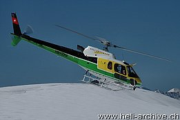 The AS 350B3 Ecureuil HB-ZHA in service with Heli Gotthard (B. Siegfried)