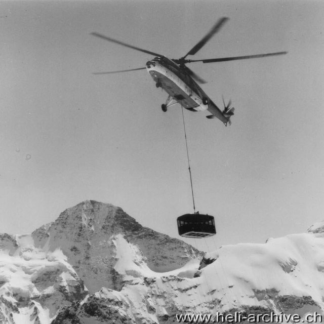 April 1966 - The Mil Mi-6 CCCP-06174 in action in the Swiss Alps (W. Studer - HAB)