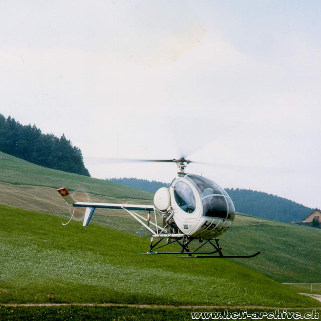 1976 - The Hughes 269C HB-XFT was used for a short time as a trainer (archive Fuchs Helikopter)